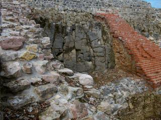 2014-02-12__4c484556___k_Ruine_Osterburg__4___Copyright_Studienhaus_Geologie_Geographie